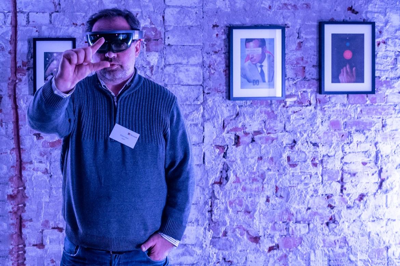 Micrososft HoloLens