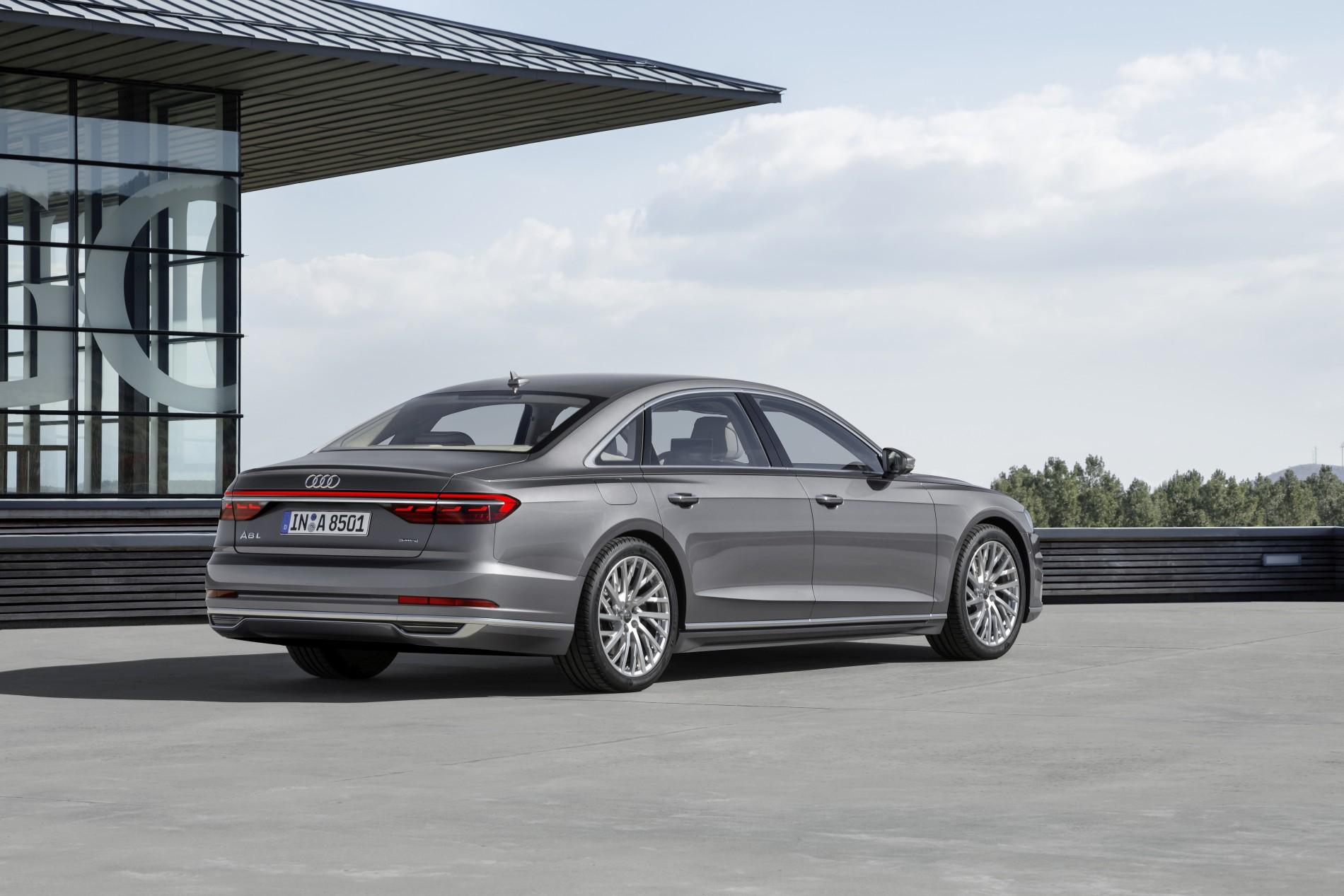 Audi 8 L
