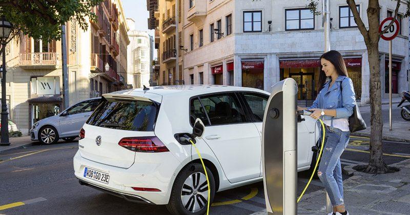 Elektrofahrzeuge als Dienstwagen: Steuern – 1%-Regel und Fahrtenbuch
