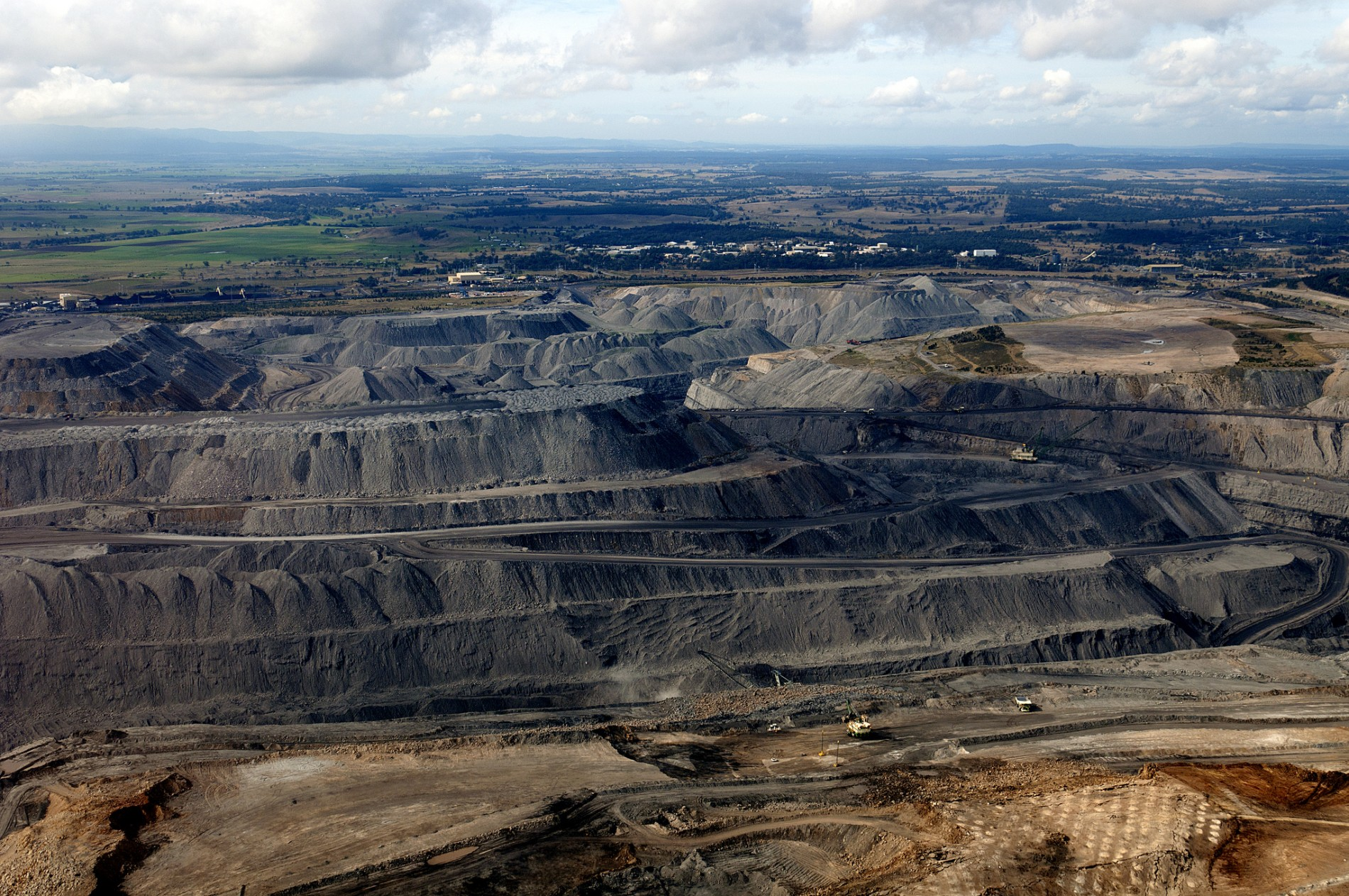 Coalmining, https://www.flickr.com/photos/beyondcoalandgas/9304143669/ by Max Phillips (Jeremy Buckingham MLC) Attribution 2.0 Generic (CC BY 2.0)